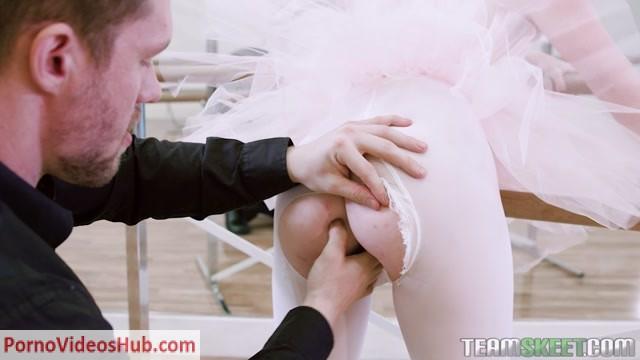 TeamSkeet_-_GingerPatch_presents_Athena_Rayne_in_Ballerina_Boning___26.02.2019.mp4.00005.jpg