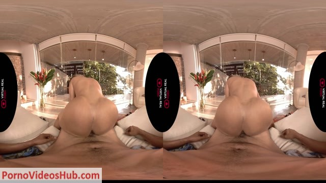 Virtualrealporn_presents_Mia_Linz_in_Lemon_is_the_new_charm.mp4.00011.jpg