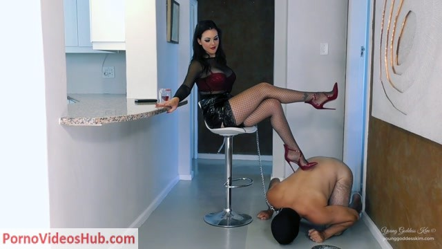 Watch Online Porn – Young Goddess Kim – Humiliation for Breakfast (MP4, FullHD, 1920×1080)