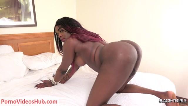 Watch Online Porn – Black-tgirls presents Crystal Creamsicle Sticky Cumshot! – 09.03.2019 (MP4, FullHD, 1920×1080)