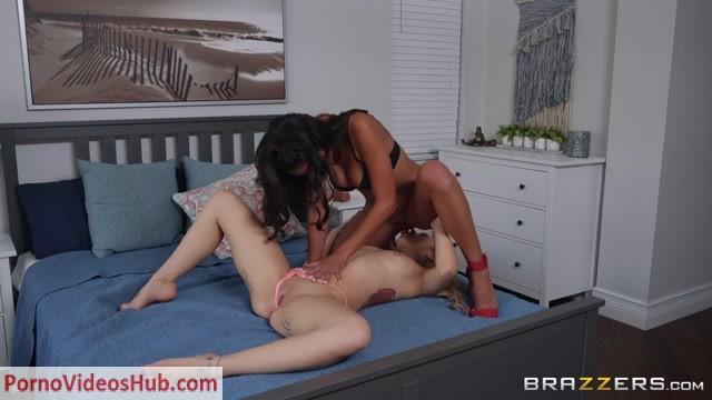 Watch Online Porn – Brazzers – HotAndMean presents Kali Roses & Vienna Black – Steal My Sex Toy – 17.03.2019 (MP4, FullHD, 1920×1080)