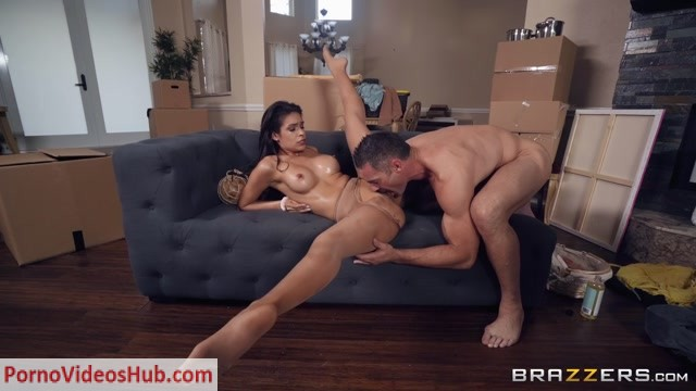 Watch Online Porn – Brazzers – RealWifeStories presents Katana Kombat – Nice to Meat You – 06.03.2019 (MP4, FullHD, 1920×1080)