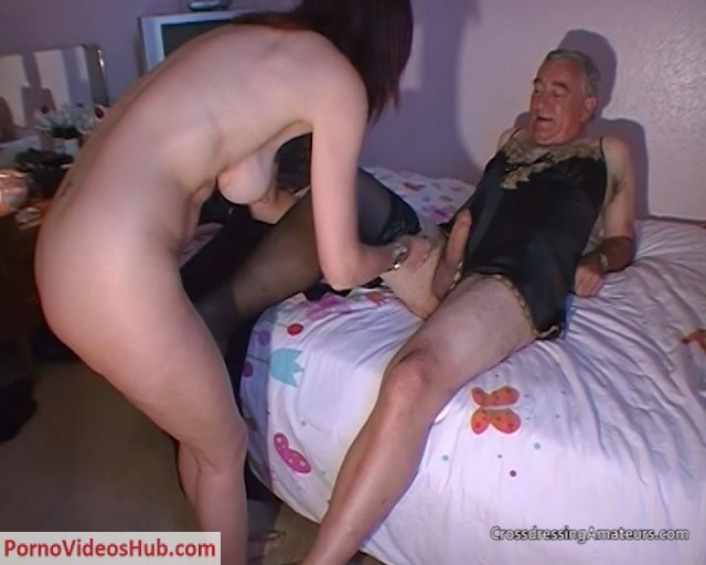 CrossdressingAmateurs_presents_Fit_housewife_with_old_amateur_cross_dressing_guy.mp4.00002.jpg