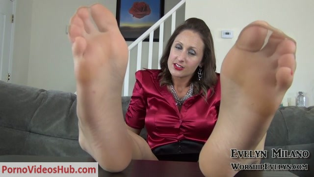 Evelyn_Milano_-_Soles_in_Charge.mp4.00013.jpg