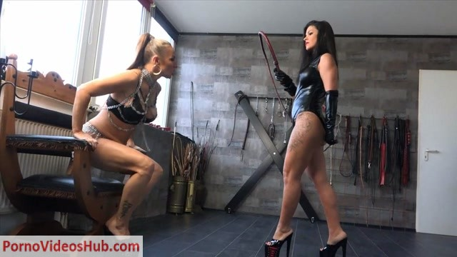 Watch Online Porn – FEMDOM-POV-CLIPS – 2 Hot Ladies With Bullwhips. Starring Lady Carmela And Lady Olga [WHIPPING, DOUBLE DOMINATION, LEATHER, k2s.cc, femdom online] (MP4, HD, 1280×720)