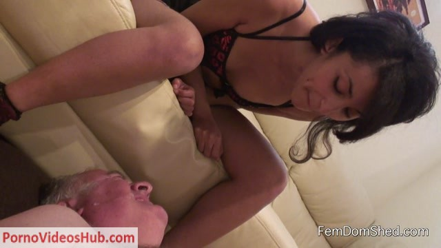 Watch Online Porn – Femdomshed – Nasty Natascha – Swallow my delicious spit pay slave (MP4, FullHD, 1920×1080)