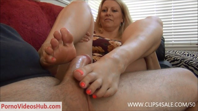 Footjob_For_The_Nanny_Position_-_EXTREME_FEET_CLIPS_-_Zoey_Tyler.mp4.00011.jpg