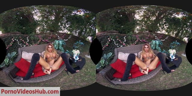 Watch Online Porn – GroobyVR presents Mia Maffia White Hot Cumshoot (MP4, HD, 1920×960)