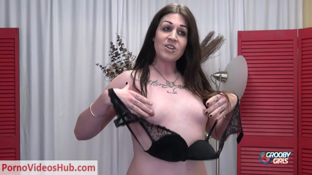 Groobygirls_presents_Try_Out_Tuesday__Laura_Pichon__-_19.03.2019.mp4.00004.jpg