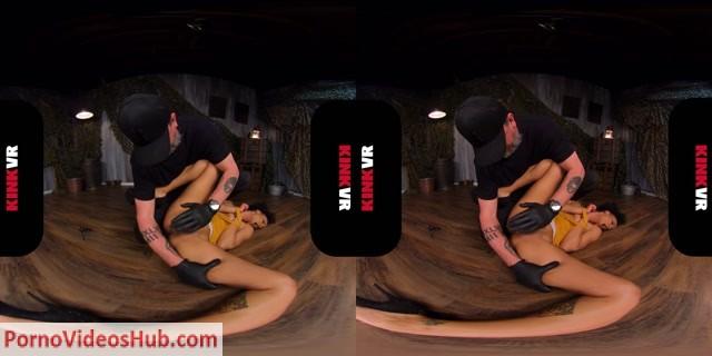 Watch Online Porn – KinkVR presents Unbearable Pain – Nikki Darling (MP4, UltraHD/2K, 2880×1440)