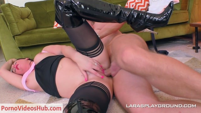 Larasplayground_presents_Lara_Latex.mp4.00008.jpg