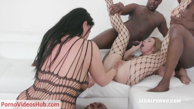 LegalPorno_presents_Sindy_Rose_Simony_Diamond_-_kinky_sex_fisting_for_two_bitches_Part_2_IV282___08.03.2019.mp4.00007.jpg