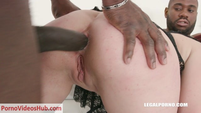 LegalPorno_presents_Young_Stiffany_Love_enjoys_anal_sex_first_time_with_black_guys_IV286___25.03.2019.mp4.00002.jpg