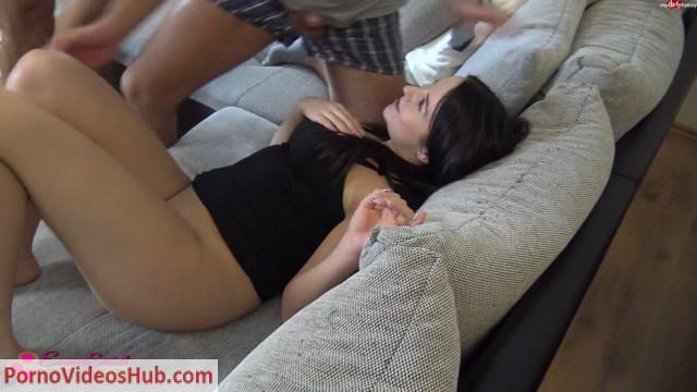 Watch Online Porn – Mydirtyhobby presents EmmaSecret – Wie zocken Lass mal lieber ficken (MP4, FullHD, 1920×1080)