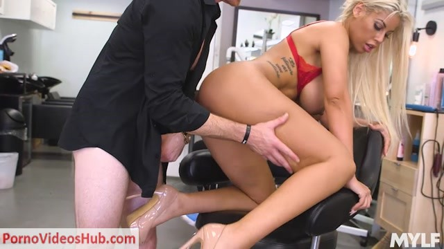 Mylf_presents_BRIDGETTE_B_in_HAMMERING_THE_HAIR_SALON_DON_-_28.03.2019.mp4.00011.jpg