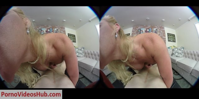 Naughtyamericavr_presents_Dirty_Wives_Club_-_Phoenix_Marie.mp4.00011.jpg