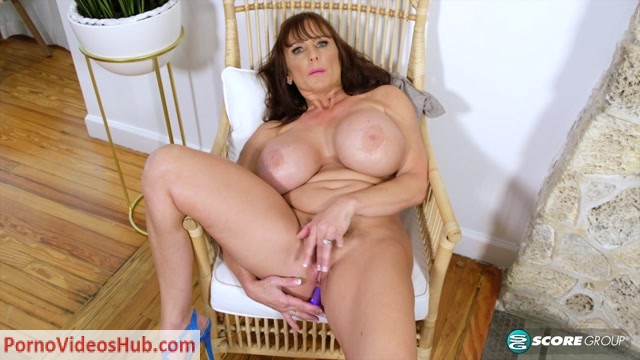 PornMegaLoad_presents_The_Busty_World_of_Shelby_Gibson___07.03.2019.mp4.00013.jpg