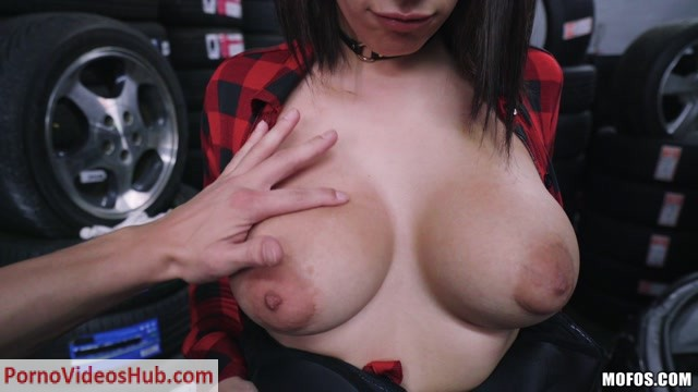 Watch Online Porn – PublicPickUps presents Valentina Jewels in Full Service – 25.03.2019 (MP4, FullHD, 1920×1080)