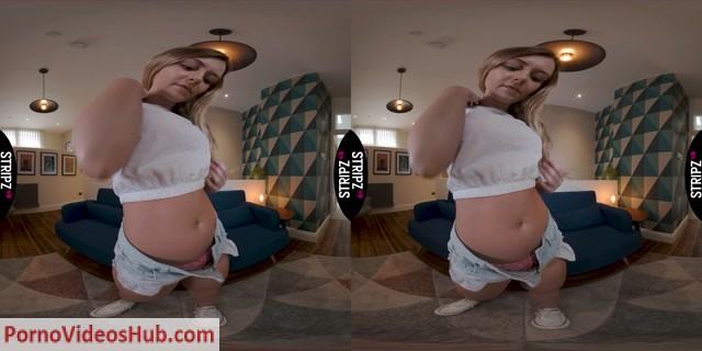 StripzVR_presents_Banging_Boobs_-_Elle_Hunter_5K.mp4.00001.jpg