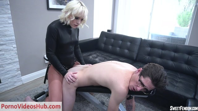 SweetFemdom_presents_18_Year_Old_Seducing_Spy_Naomi_Nash__Strapon__Anal_Fucking__Anus_Fucking__Ass_Fucking__Dildo_Fucking__Dildo__Anal__Anus__Ass__Pegging__k2s.cc_.mp4.00000.jpg