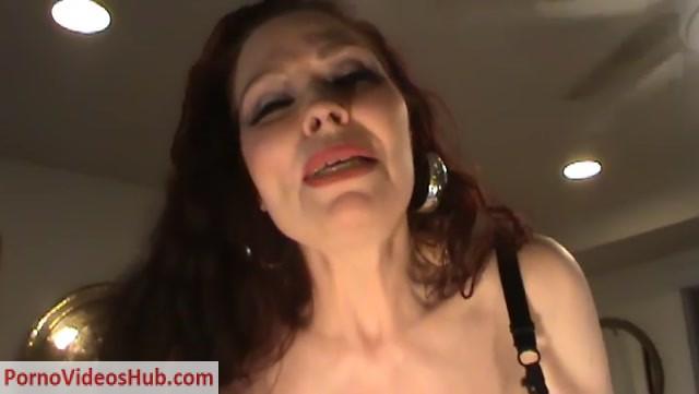 Watch Online Porn – Titanic Tits Teddi Barrett – OVERSEXED MOMMA CAUGHT MASTURBATING (MP4, SD, 720×406)