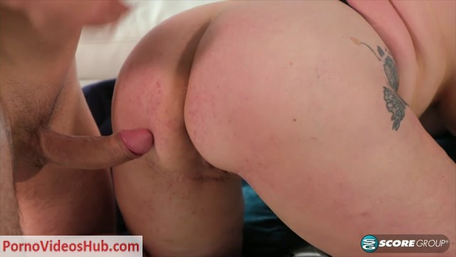 40SomethingMag_presents_Kaiserin_Dee_in_Former_kindergarten_teacher_gets_ass-fucked___11.04.2019.mp4.00006.jpg