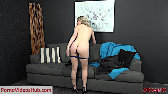 Allover30_presents_Elle_McRae_34_years_old_Out_Takes___18.04.2019.mp4.00006.jpg