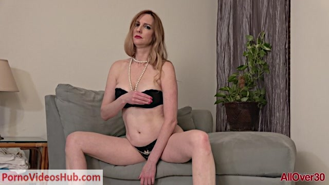 Allover30_presents_Phoebe_Waters_52_years_old_Ladies_With_Toys___12.04.2019.mp4.00006.jpg