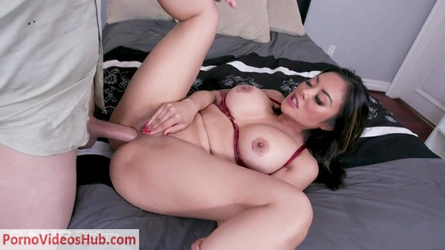 Bang__Trickery_presents_Kaylani_Lei_Offers_Her_Advice__Her_Pussy_And_Her_Asshole_To_A_Guy_In_Need____19.04.2019.mp4.00010.jpg