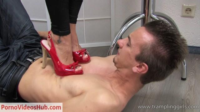 Bow_to_My_feet_Slave.mp4.00003.jpg