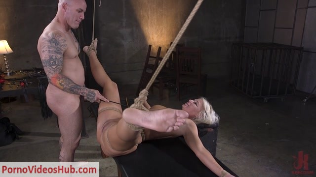 BrutalSessions_presents_London_River_-_MILF_Slut_London_River_Anal_Fucked_In_Rope_Bondage_and_Impact_Play____29.04.2019.mp4.00011.jpg