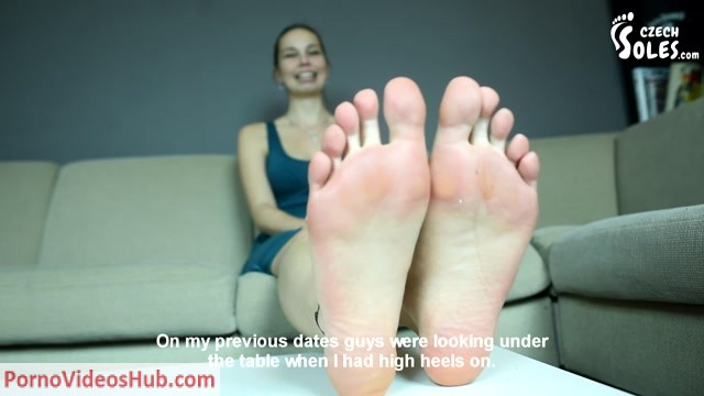 Czech_Soles_-_Foot_fetish_model_interview_and_great_shots_of_Dita_s_feet.mp4.00003.jpg
