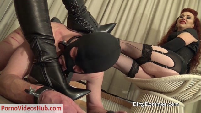Watch Online Porn – Dirty Dommes – Boot cleaner in bondage stocks. Starring Fetish Liza (MP4, HD, 1280×720)