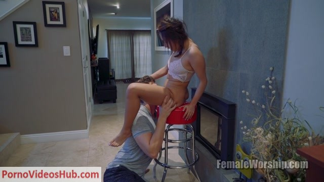 Watch Online Porn – Female Worship – Get The Stool. Starring Isabella Nice (MP4, FullHD, 1920×1080)