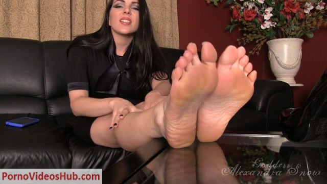 Watch Online Porn – Goddess Alexandra Snow – Blackmailed for your Foot Fetish (MP4, HD, 1280×720)
