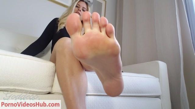 Watch Online Porn – Goddess Rainn – Million $$$ Feet (MP4, FullHD, 1920×1080)