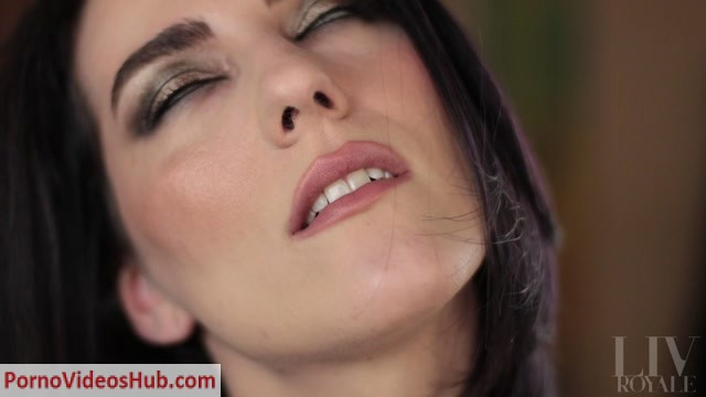 Watch Online Porn – Liv Royale – Cum In My Mouth (MP4, FullHD, 1920×1080)
