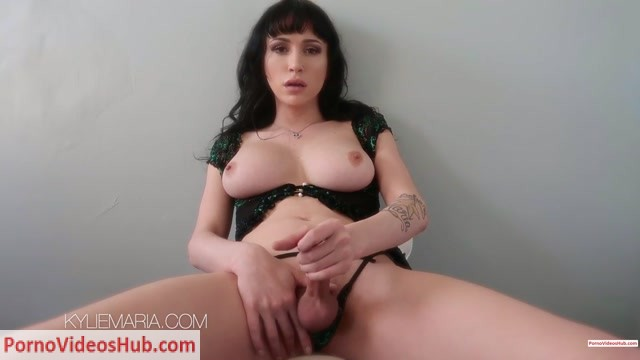 ManyVids_presents_KYLiEMARiA_in_Kylie_s_gonna_encourage_you_-_13.03.2019__Premium_user_request_.mp4.00012.jpg