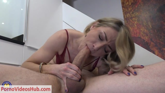Watch Online Porn – Mature.nl presents Julie Holly (MP4, SD, 960×540)