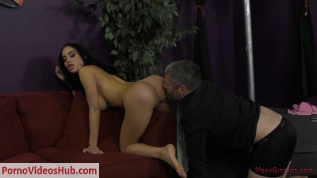 Watch Online Porn – Mean World – Mean Bitches – Victoria June 6 (MP4, FullHD, 1920×1080)