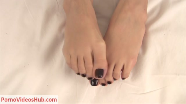 Watch Online Porn – NoemisWorld – Beautiful girl with long toes (MP4, FullHD, 1920×1080)