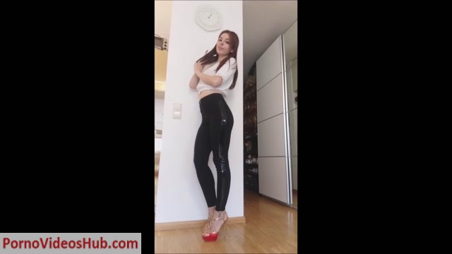 Princess_Kitty_Cash___Your_money_appertains_to_me___so_PAY_me__sucker__German_Language.mp4.00000.jpg