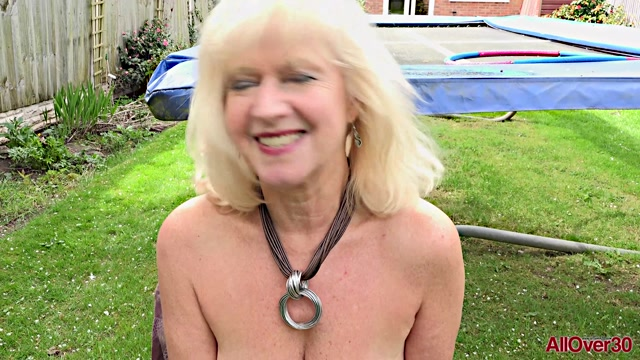 Allover30_presents_Sapphire_Louise_63_years_old_Interview___21.05.2019.mp4.00013.jpg