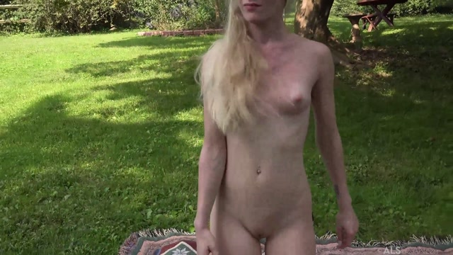 Alsscan_presents_Emma_Starletto_in_Free_Climb_BTS.mp4.00008.jpg