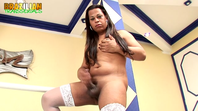 Watch Online Porn – Brazilian-transsexuals presents Dildo Stroke Show With Juliana Candevick Remastered – 08.05.2019 (MP4, HD, 1280×720)