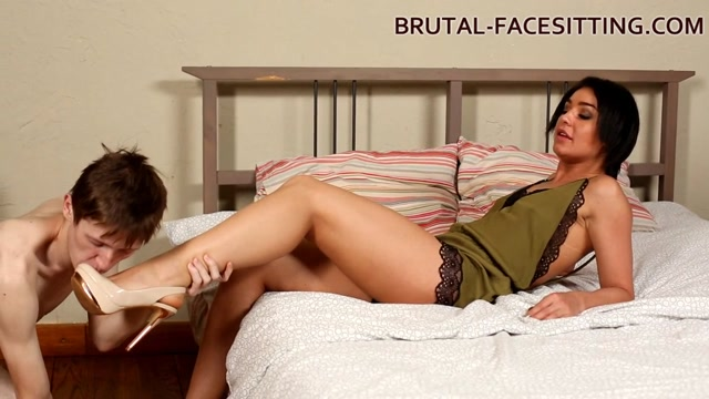 Watch Online Porn – Brutal-Facesitting – Mistress Rebeca (MP4, HD, 1280×720)