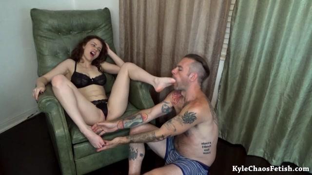 Watch Online Porn – Chaos Clips – Luna Lingerie Foot Worship (MP4, FullHD, 1920×1080)