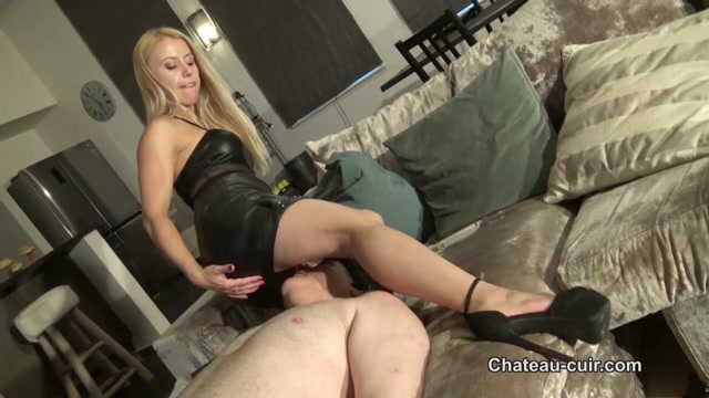 Watch Online Porn – Chateau-Cuir – Nikki Whiplash – Cum release for smothered slave (MP4, HD, 1280×720)