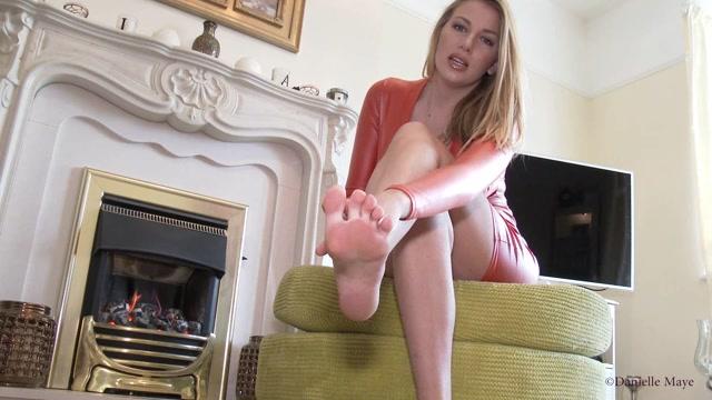 Watch Online Porn – Danielle Maye XXX – Toe Licking – ManyVids (MP4, FullHD, 1920×1080)