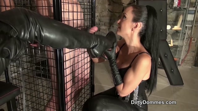 Watch Online Porn – DirtyDommes – Caged boot and glove slave milked part 1 – Fetish Liza, Miss Miranda (MP4, HD, 1280×720)
